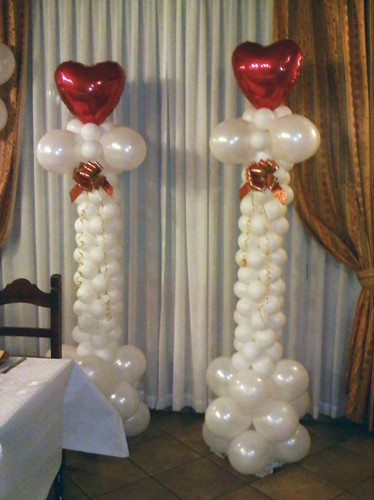 Towers and columns of balloons balloon decoration gifts